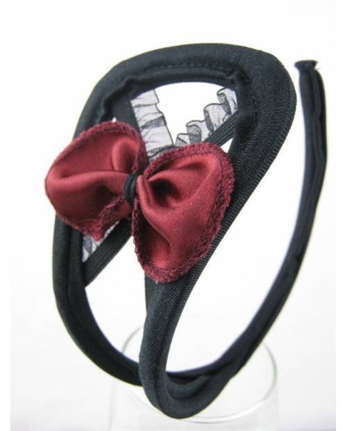 C String Black red bow